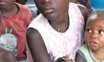 Wiehl-hilft – OKI Moringa Kindertafel im Kongo